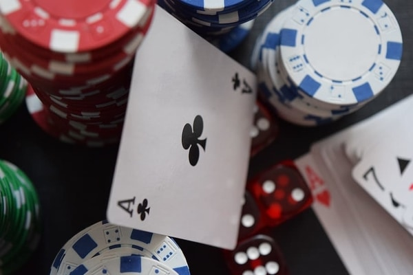 Kortit ja kasinosirut